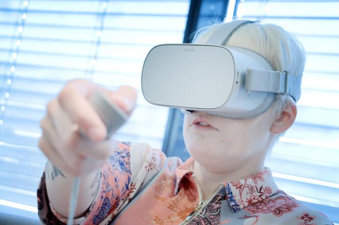 <strong>INGEN BRUKSGARANTI:</strong> Selv bruker vi ikke VR-brillene våre. Og du bør spørre deg selv om du kommer til å bruke dine; ellers risikerer du å bruke tusenlapper på en Oculus Go som støver ned i skuffen. Foto: Ole Petter Baugerød Stokke