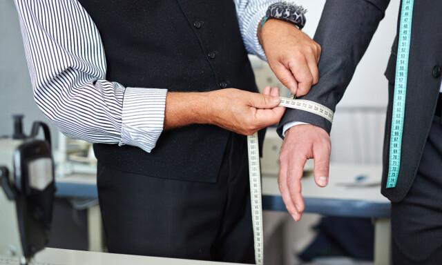 709e4925 RIKTIG STØRRELSE: Det er like viktig at herrenes dress sitter som den skal  som at