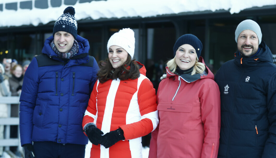 NÆRT FORHOLD: Det norske og det britiske kongehuset har i mange år hatt et nært forhold. Her er de norske og britiske kronprinsparene sammen i Oslo tidligere i år. Foto: Terje Pedersen / NTB Scanpix