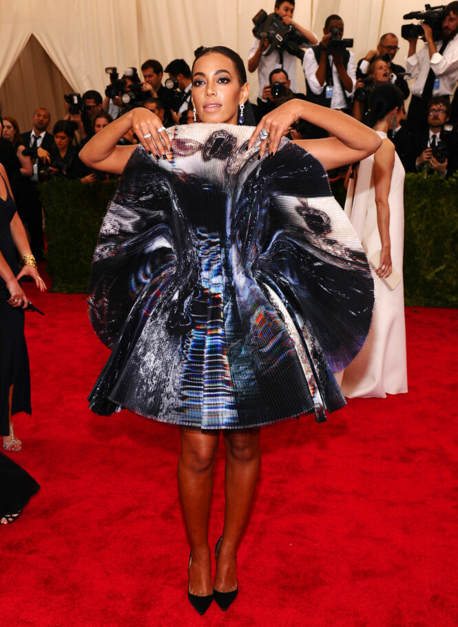 SOLANGE KNOWLES: Kjolen til 31-åringen er fra Giles. Foto: Scanpix