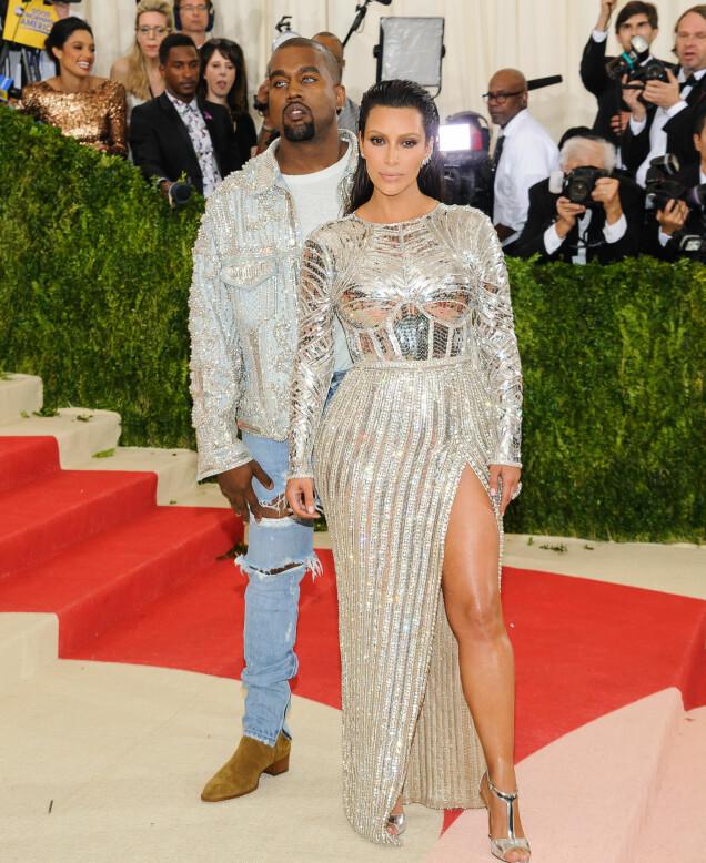 KOM SAMMEN: I 2016 var både Kim Kardashian og Kanye West til stede på Met-gallaen. Foto: NTB scanpix