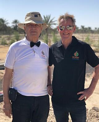 GRUNDERE: Far Kristian og sønn Ole Morten Olesen har fått en gyllen mulighet av Expo Live. Foto: Desert Control.