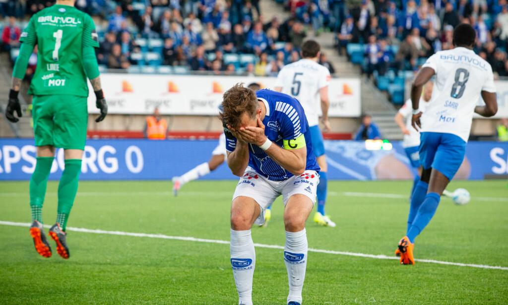 RØK: Sarpsborg 08 røk ut av cupen torsdag. Her er Patrick Mortensen avbildet under helgens kamp mot Molde. Foto: Audun Braastad / NTB scanpix