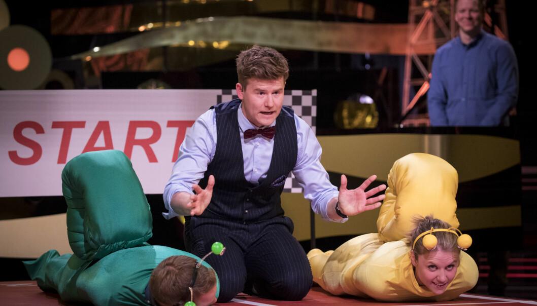 TV-SUKSESS: Nicolay kunne juble da «Ramm, ferdig, gå!» debuterte med å være ukas mest sette TV-program. Her med deltakerne Tarjei Bø (29) og Tiril Sjåstad-Christiansen (23). Foto: NRK