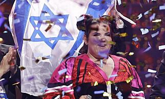 JUBLER: Netta Barzilai jubler på scenen etter å ha tatt hjem seieren i Eurovision Song Contest. Foto: NTB scanpix