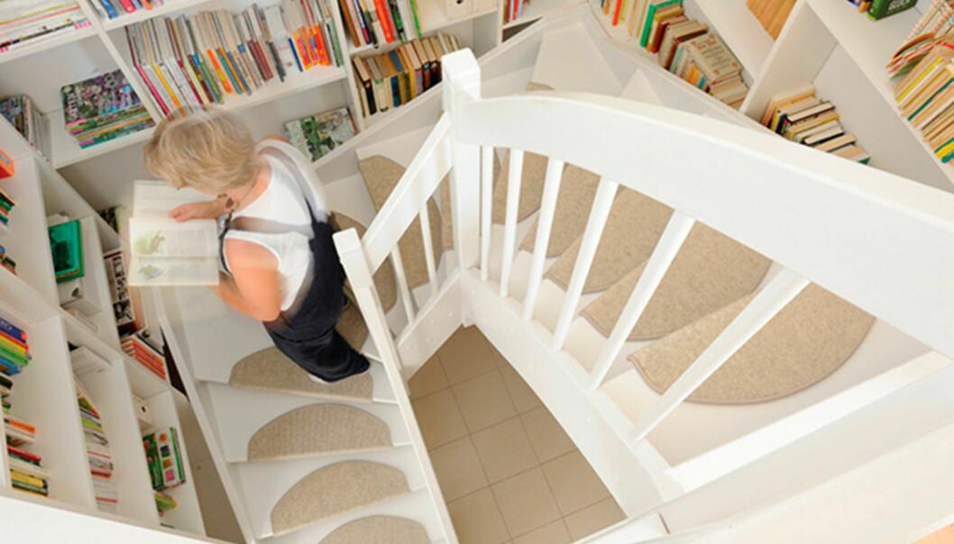 ANTISKLI: Å legge antiskli-matter i trappetrinnene er bare noe av det som vil gjøre hjemmet ditt mer sikkert. Foto: Treford.