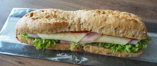 Grov bagett med ost og skinke: 86 kroner om du spiser på stedet, 79 for take-away.