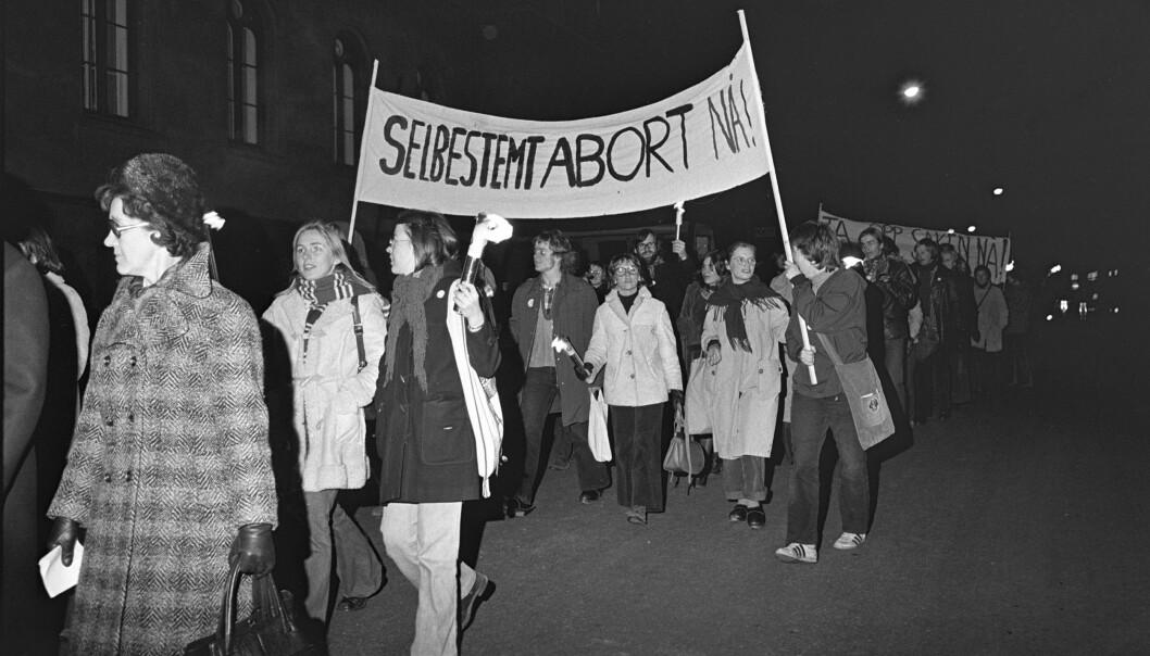 <strong>DEMONSTRERTE:</strong> En demonstrasjon for selvbestemt abort med rundt 1000 deltakere gikk i demonstrasjonstoget, fra Youngstorget til Universitetsplassen, til støtte for kravet om selvbestemt abort i 1973. FOTO: NTB scanpix