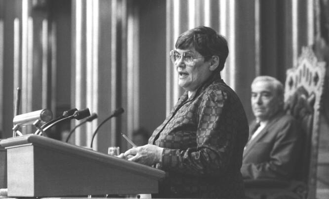 <strong>ENGASJERT:</strong> Hanna Kvanmo var én av 78 stortingsrepresentantene som til slutt fikk gjennomført loven om selvbestemt abort våren 1978. Dette bildet er tatt ved en annen anledning. FOTO: NTB scanpix