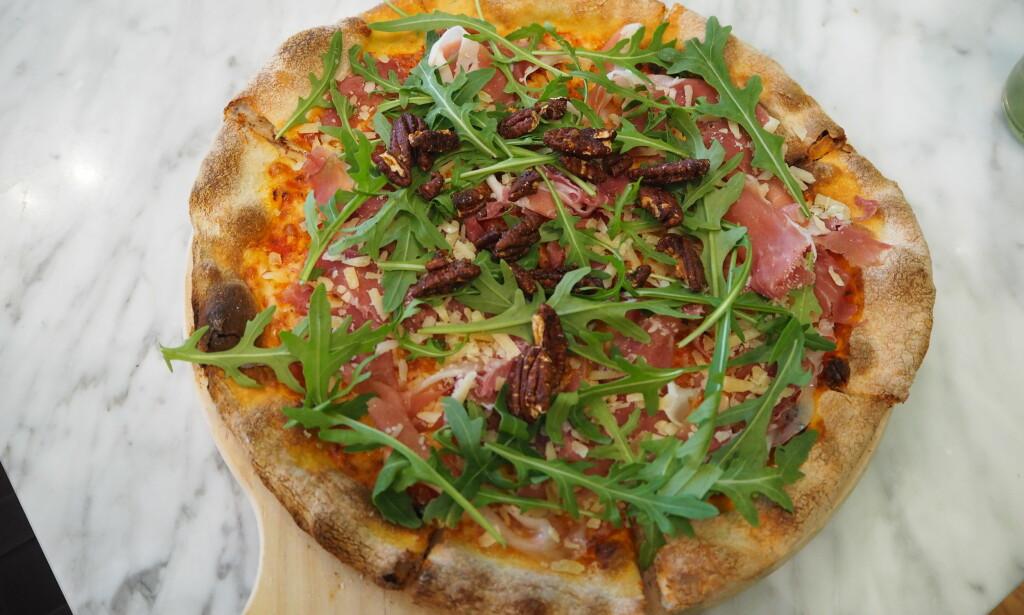 PIZZA PARMA: Den beste flyplasspizzaen vi har spist, til 189 kroner.
