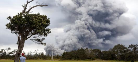 Askesky og varsel om vulkanutbrudd på Hawaii