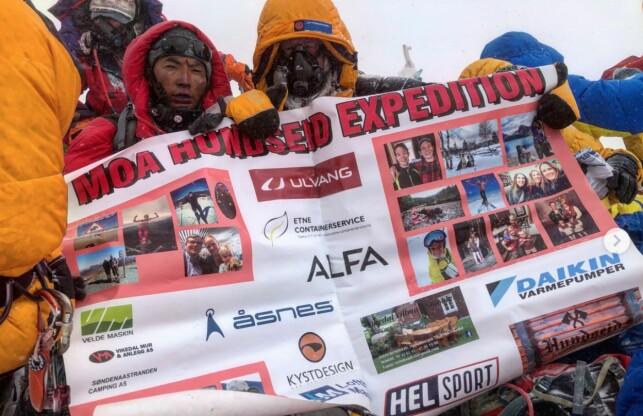 STORT APPARAT: I et år har Moa Hundseid planlagt Everest-ekspedisjonen, og samlet inn sponsorer og midler for en halv million kroner. 14. mai nådde hun toppen. Foto: Moa Hudseid Expeditions