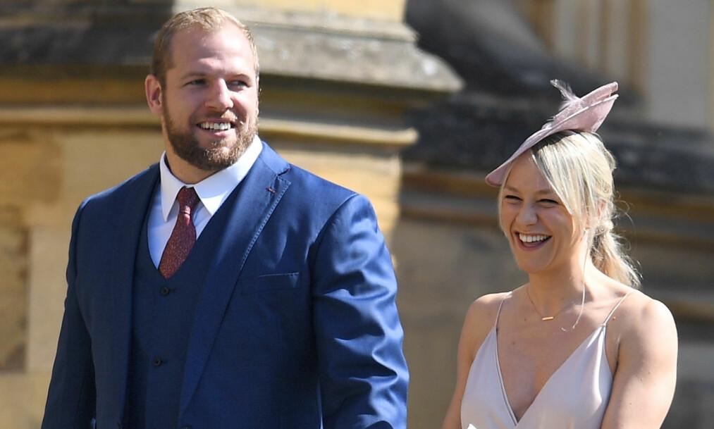 KONTROVERSIELL DELTAKELSE: James Haskell strålte i dagens store bryllup i England sammen med forloveden Chloe Madeley. Men mange mente han burde vært et annet sted. Foto: NTB scanpix