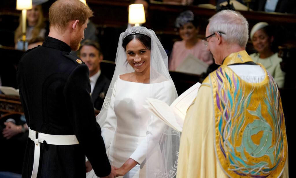 KJOLEN: Meghan Markles kjole er designet av den anerkjente britiske designeren Clare Waight Keller. FOTO: NTB scanpix