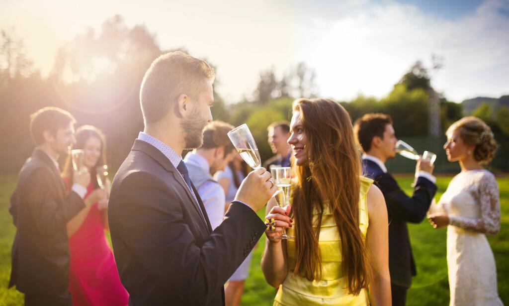 70ef1e8d KLESKODER: I bryllup er nok den viktigste regelen at du unngår hvitt. Ellers  gjelder