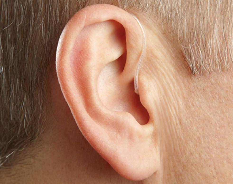 <strong>NÆRMEST USYNLIG:</strong> I dag finnes høreapparater markedet som er så små og nette at de omtrent ikke synes når du bruker dem. Denne typen heter Receiver-In-Canal (RIC) Foto: Starkey.