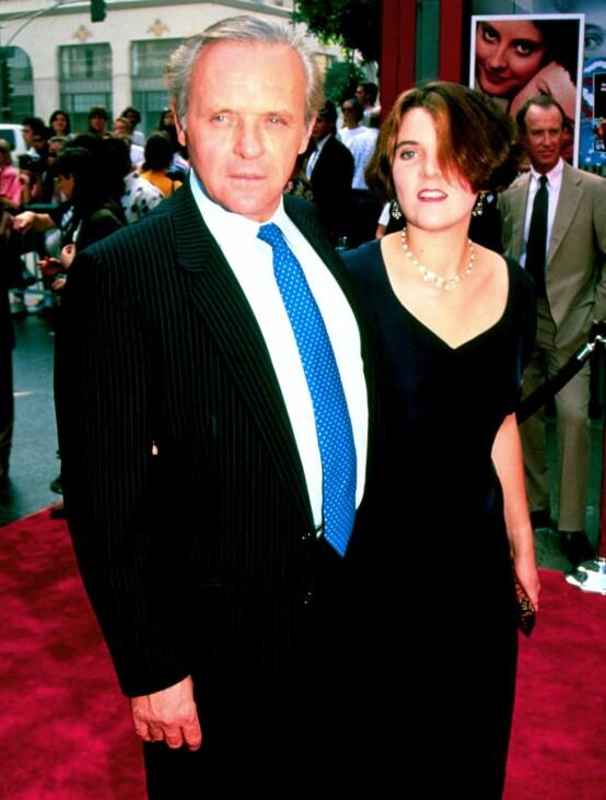 <strong>SJELDENT BILDE:</strong> Anthony Hopkins og Abigail Harrison avbildet sammen på rød løper i 1991. Siden den gang har de ikke dukket opp på noen offentlige tilstelninger sammen. Foto: NTB Scanpix