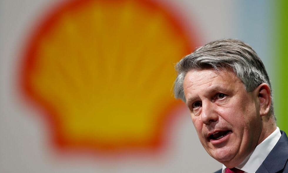 KLIMAPRESS: Oljeselskapet Shell, her ved toppsjef Ben van Beurden, ble forsøkt presset til å sette strengere utslippsmål under generalforsamlingen denne uka. Forslaget ble nedstemt, blant annet med stemmene fra Oljefondet. Foto: Benoit Tessier/ Reuters / File Photo / NTB Scanpix
