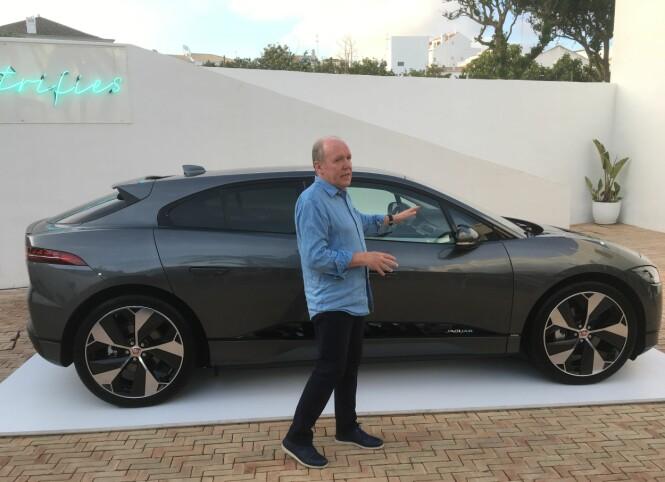 <strong>HAN DESIGNET DEN:</strong> Ian Callum er en legende blant bildesignere. Her forklarer han i detalj hvordan hans nyeste baby ble til og hvor inspirerende det var å kunne jobbe med helt nye tekniske forutsetninger. Foto: Knut Moberg