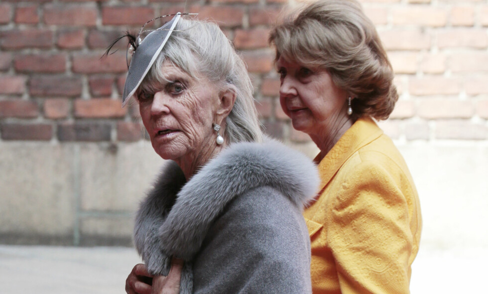 IKKE HJEM TIL JUL: Svenskenes prinsesse Birgitta (t.v.) dropper både dronning Silvias bursdag og svensk julefeiring. Her avbildet i 2016. Foto: NTB Scanpix