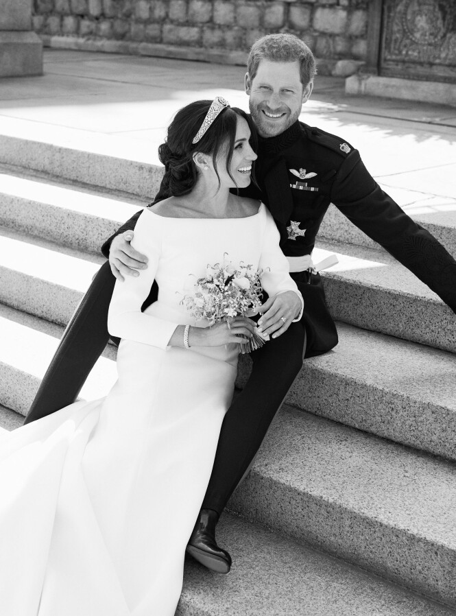 NYGIFT: Det lykkelige paret ble fotografert av Alexi Lubomirski.Foto: Alexi Lubomirski/NTB Scanpix