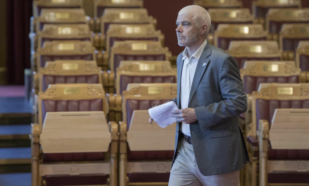 SKUFFET: Petter Eide, SVs forslagsstiller, er uhyre skuffet over den politiske mottakelsen på Stortinget. Her avbildet under spørretimen i fjor vår. Foto: Ole Berg-Rusten / NTB Scanpix
