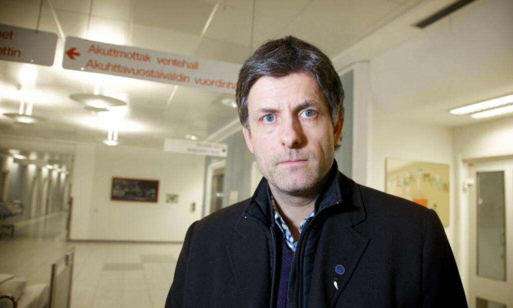 TAR SELVKRITIKK: Tor Ingebrigtsen her avbildet i 2011, sier han selv, og flere andre, kunne motvirket anbuds- og bemanningskrisa i luftambulansen. Foto: Eirik Helland Urke