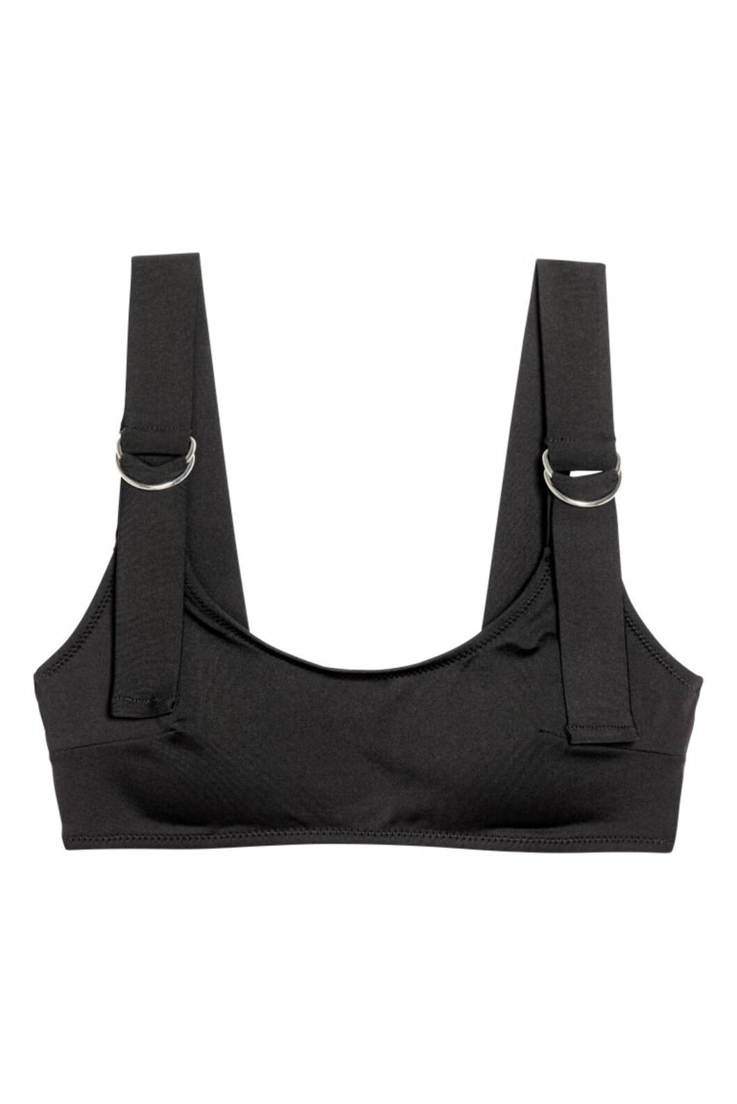 <strong>Svart bikinitopp fra H&M  199,-  http:</strong>//www2.hm.com/no_no/productpage.0568572001.html