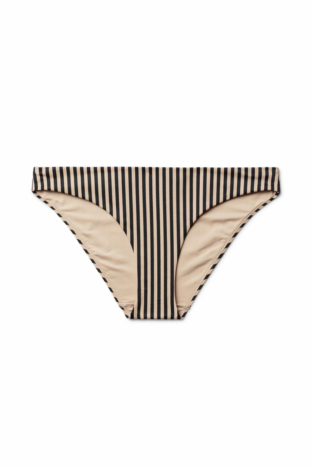 <strong>Bikinitruse fra Weekday  100,-  https:</strong>//www.weekday.com/en_sek/women/categories/swimwear/_jcr_content/subdepartmentPar/productlisting.products/product.nene-swim-bottoms-beige.0573975004.html