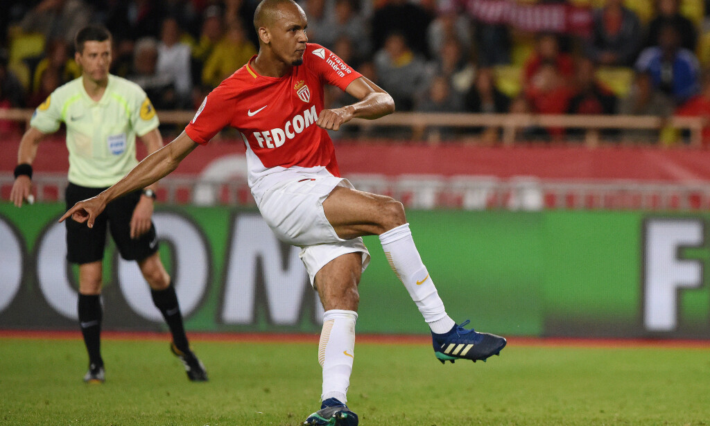 Soccer Football - Ligue 1 - AS Monaco vs AS Saint-Etienne - Stade Louis II, Monaco - May 12, 2018   Monaco's Fabinho scores their first goal from a penalty   REUTERS/Jean-Pierre Amet