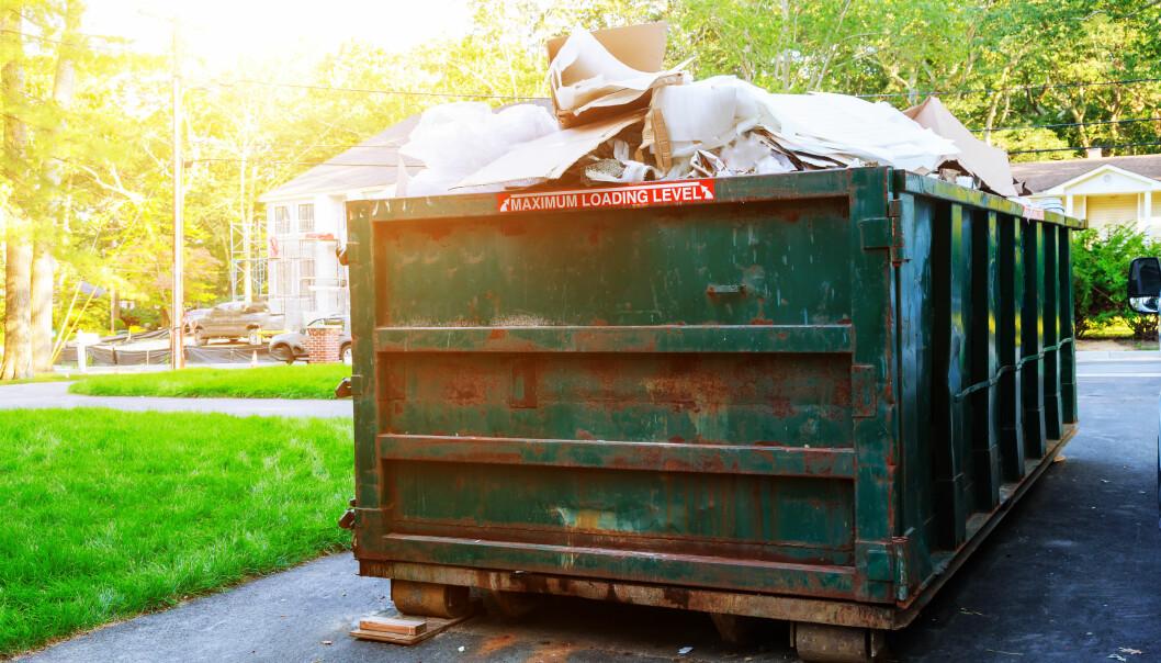 Det kan bli dyrt om du putter feil type søppel i containeren