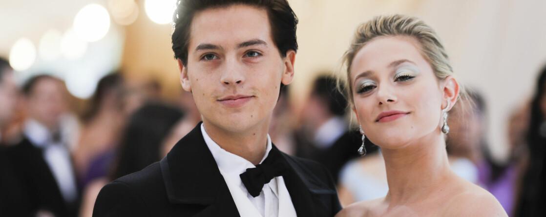 RYKTEFLOM: De siste dagene har fansen spekulert heftig i om Cole Sprouse og Lili Reinhart venter sitt første barn. Nå tar sistnevnte til motmæle. FOTO: Scanpix