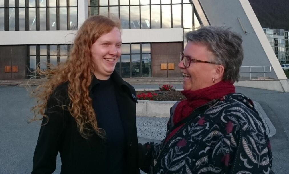 Å VÆRE BLIND: Karen Marie forteller at hun aldri kommer til å bli helt vant til at datteren, Solveig-Marie, er blind. Hun forklarer at det er en sorg hun bærer med seg hele livet. FOTO: Privat