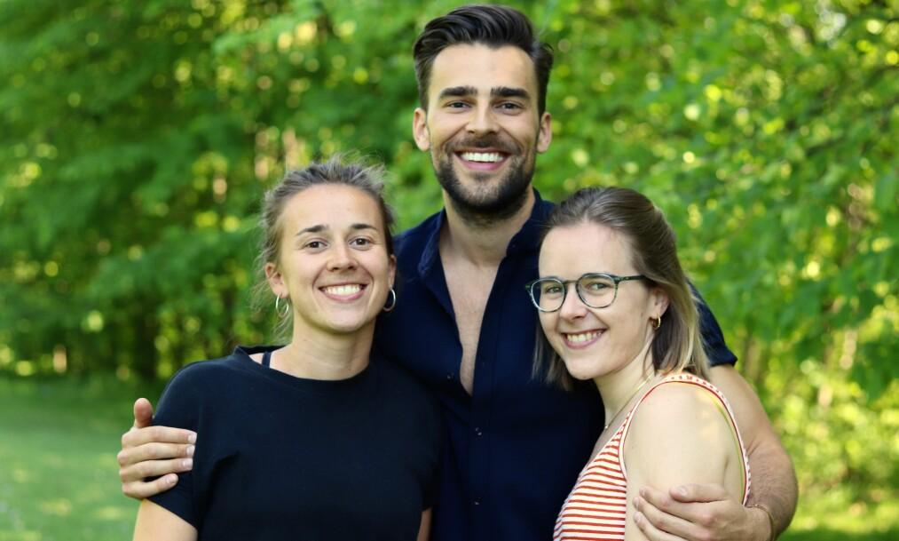 <strong>FRONTALLAPPDEMENS:</strong> Pappaen til Mari (til venstre), Kim og Liza fikk frontallappemens. For å holde motet oppe i en ekstremt trist og vanskelig situasjon, ble humor redningen. FOTO: Ida Bergersen