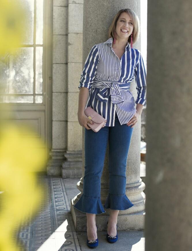 PIA HAR PÅ SEG: Skjorte (kr 1600, Gant), jeans (kr 650, Saint Tropez), øredobber (kr 350) og veske (kr 350, begge fra Accessorize) og pumps (kr 2100, Monsoon). FOTO: Astrid Waller