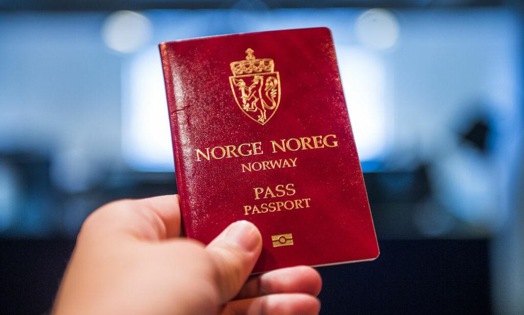 image: Vil legge ned halvparten av passkontorene. Se lista her