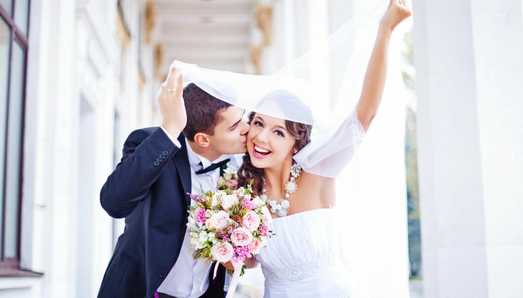 STRESSENDE TID: Tiden før bryllupet kan være stressende, men heldigvis forsvinner gjerne nervene når dagen endelig er der. FOTO: NTB Scanpix