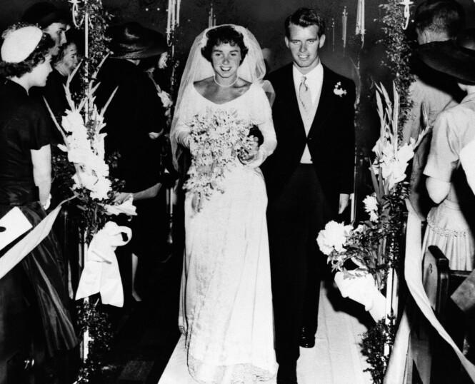 GIFT: Robert Kennedy giftet seg med Ethel Skakel 17. juni 1950 i St. Mary's Catholic Church i Greenwich, Connecticut. FOTO: NTB Scanpix