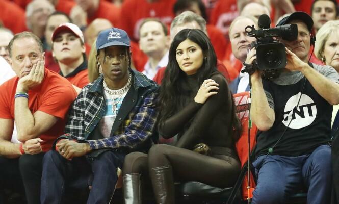 SKAL DE GIFTE SEG?: Internett spekulerer heftig på om Travis Scott har fridd til Kylie Jenner, eller omvendt. Her sammen i mai. Foto: NTB Scanpix