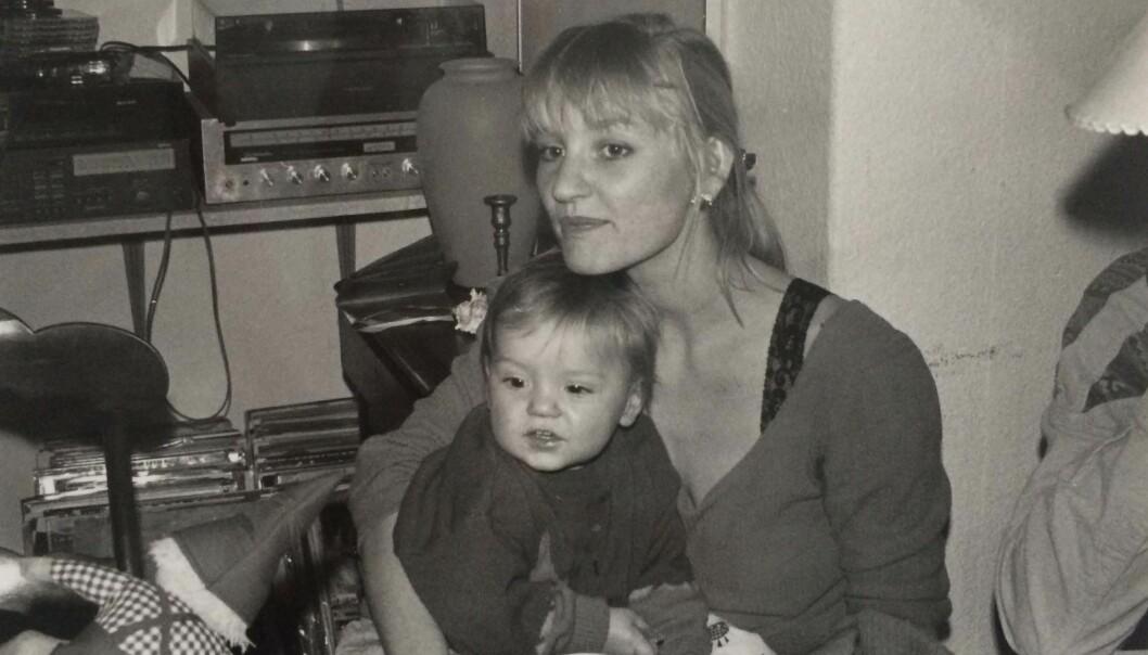BARNDOM: Naja Marie og Carl Emil Heurlin Aidt fotografert i1990 i deres daværende hjem på Østerbro i København. FOTO: Privat
