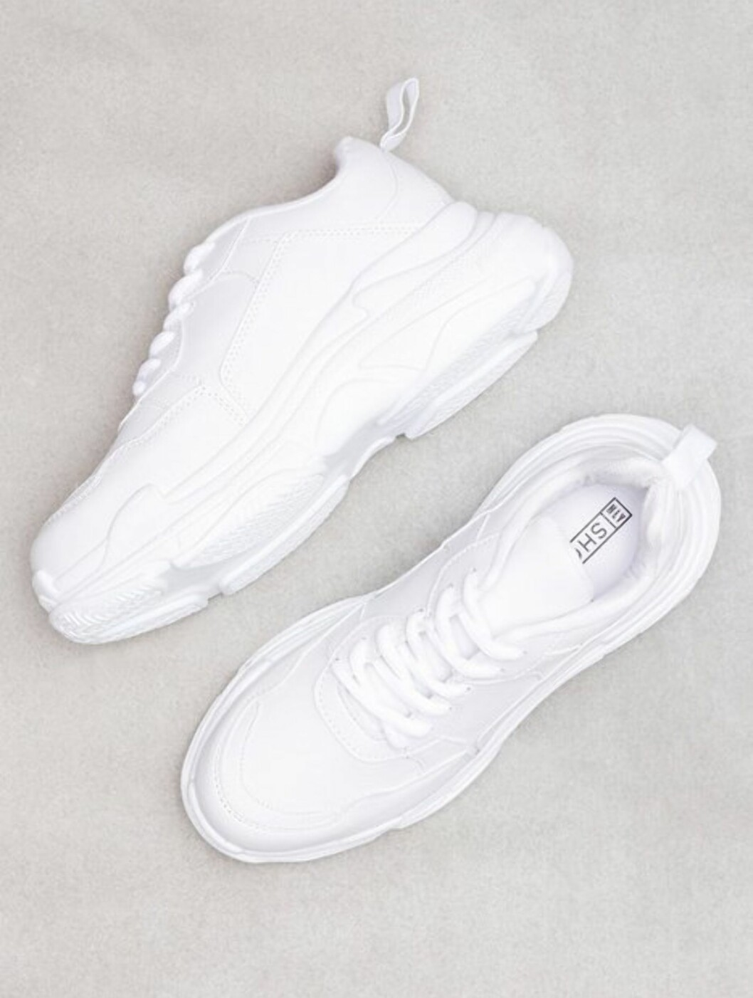 <strong>Sneakers fra Nelly |399,-| https:</strong>//nelly.com/no/kl%C3%A6r-til-kvinner/sko/sneakers/nly-shoes-427/perfect-chunky-sneaker-429459-0001/