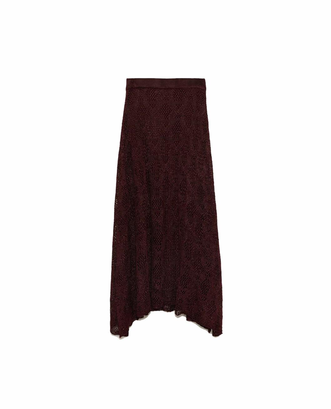 <strong>Skjørt fra Zara |499,-| https:</strong>//www.zara.com/no/no/strikkeskj%C3%B8rt-med-hullm%C3%B8nster-p08146009.html?v1=6700520&v2=805003