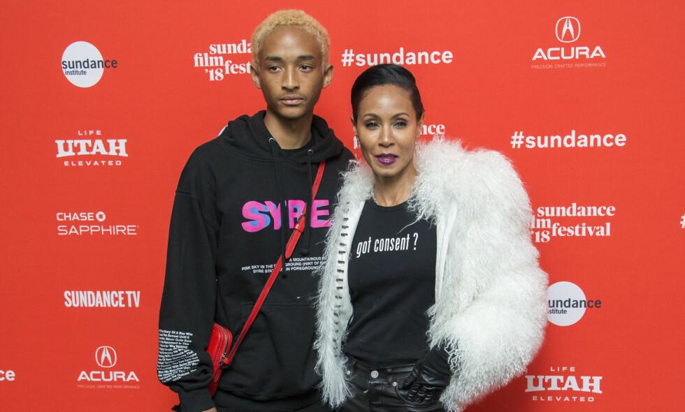 VONDT: Jada Pinkett Smith og sønnen Jaden Smith har alltid hatt et nært forhold. Da sistnevnte ønsket å flytte hjemmefra, bare 15 år gammel, måtte Jada ta en vanskelig avgjørelse. Foto: NTB Scanpix