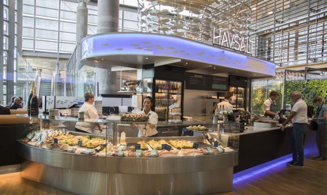 SJØMAT: Havsalt er en lett modernisering av den gamle sjømatrestauranten. Flere av klassikerne er fortsatt på menyen.