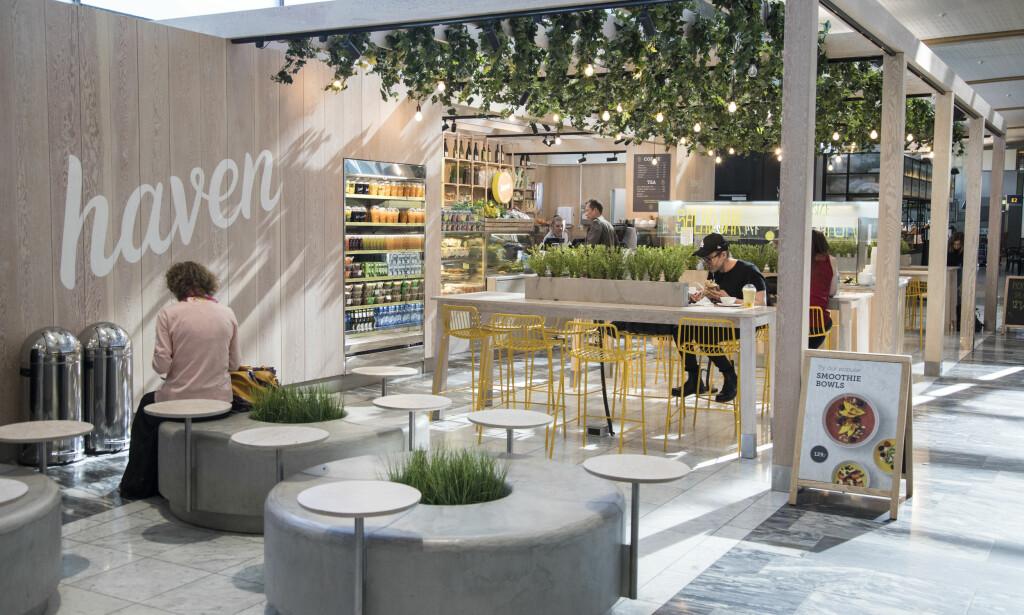 GRØNT: Vegetar-restaurant med flere ferdigsalater og wraps, og en salatbar der du kan plukke selv.