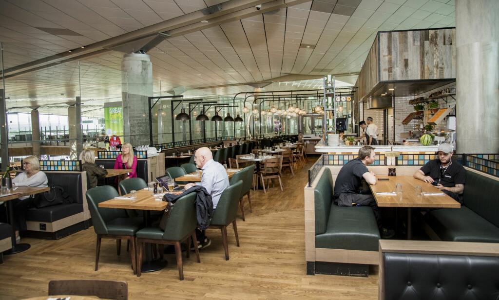 JAMIE OLIVERS restaurantkjede sliter økonomisk i Storbritannia, og det var mange tomme bord da vi besøkte restauranten på Gardermoen.