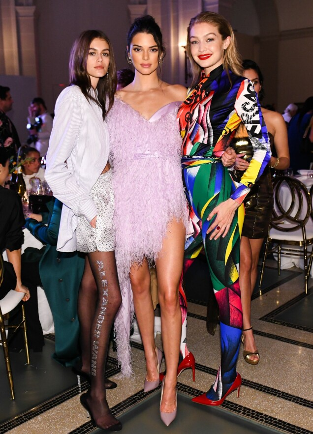 «IT-JENTER»: Kaia Gerber, Kendall Jenner og Gigi Hadid på CFDA Fashion Awards. Foto: Zach Hilty/BFA/REX/Shutterstock/ NTB scanpix