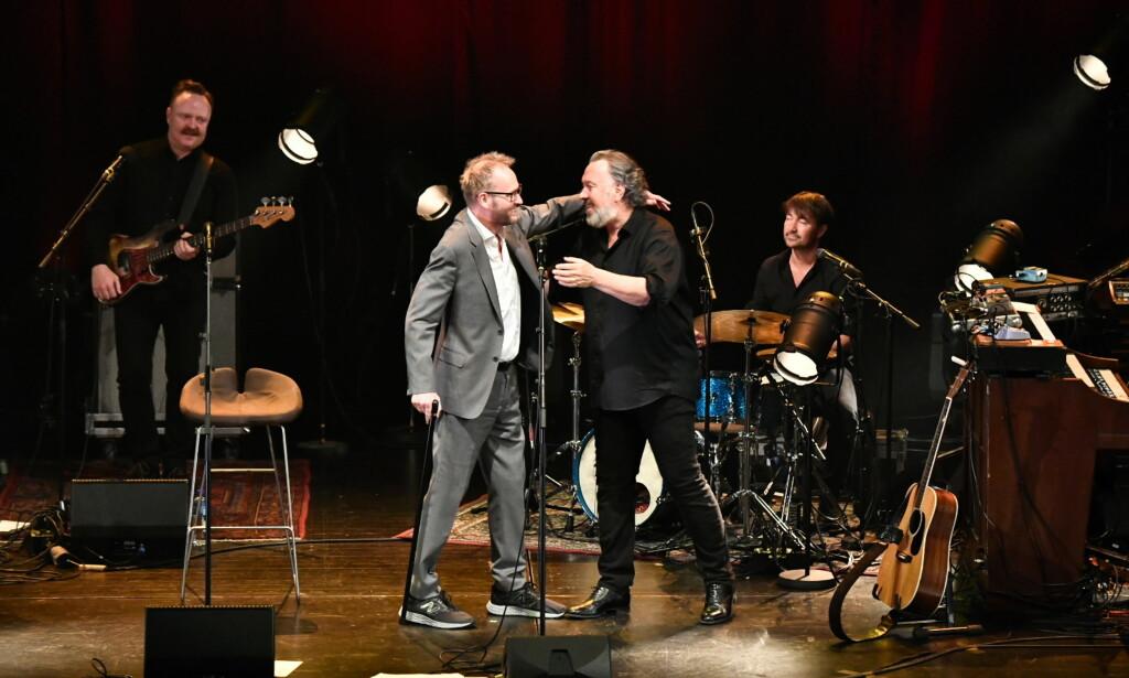 VARMT: Sigvart Dagsland og Bjørn Eidsvåg framførte hverandres låter sammen, blant dem en rolig og alvorlig versjon av Eidsvågs «Eg ser». Foto: Lars Eivind Bones / Dagbladet