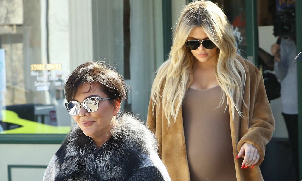 <strong><p>HAR VÆRT ORDKNAPP:</strong> Den vanligvis så frittalende Kardashian-familien har vært forsiktige med å snakke om utroskapsryktene tilknyttet Khloé Kardashians kjæreste. Nå bryter mamma Kris Jenner omsider tausheten. Foto: NTB Scanpix</p>