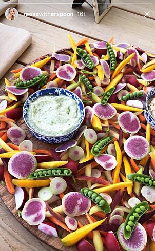 <strong>SOMMERLIG:</strong> Maten for kvelden var tydelig preget av sommeren med friske farger. Foto: Skjermdump, Instagram